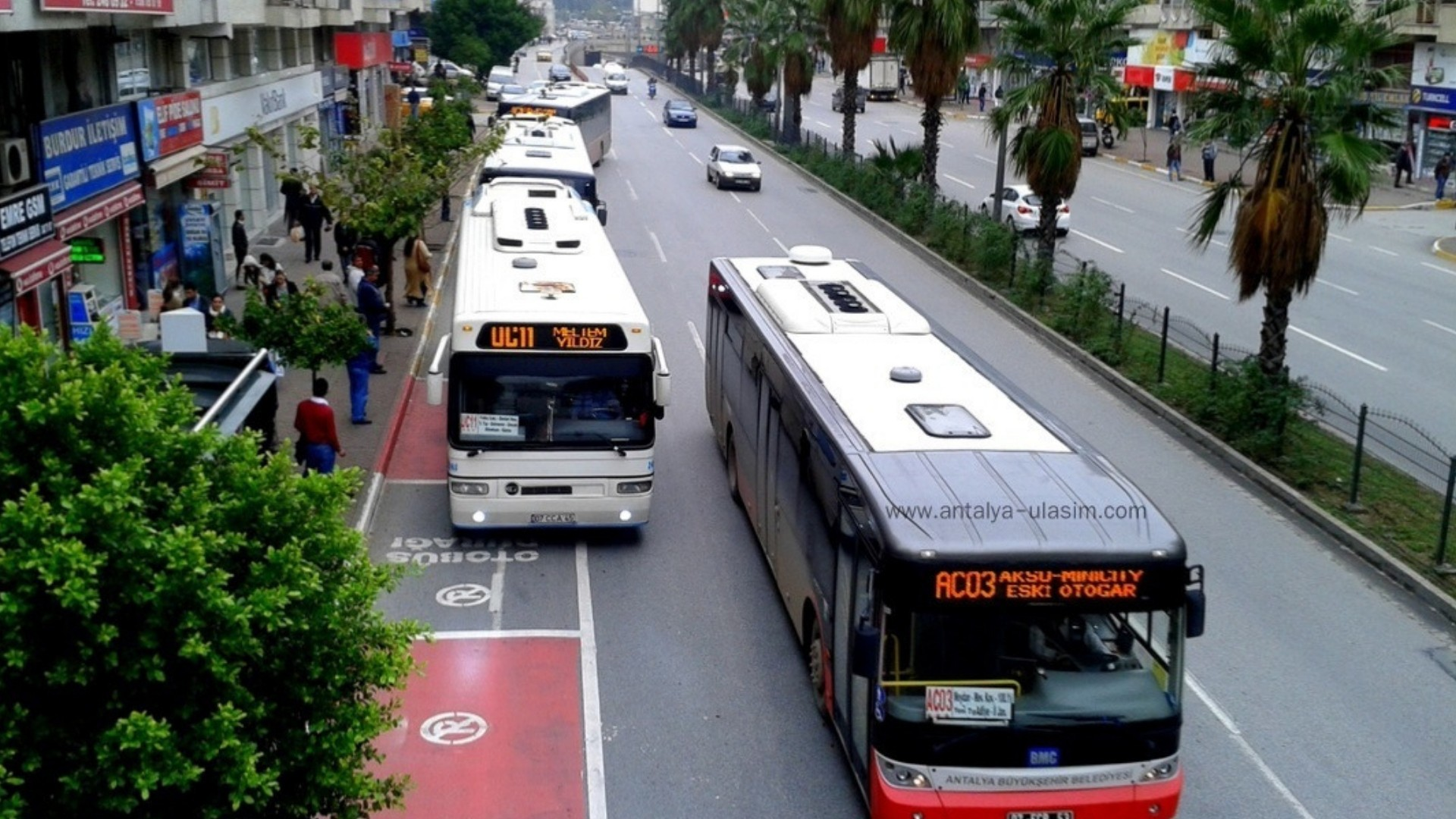 What is the best way to get around Alanya